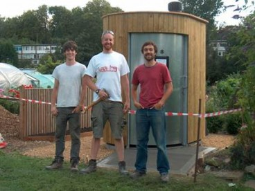 THE FINCHLEY ARROW: Finchley Horticultural Society discover Kazubaloos (WooWoo waterless toilets)